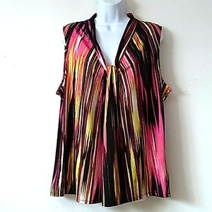 GUC Relativity abstract striped V neck Tank 2X